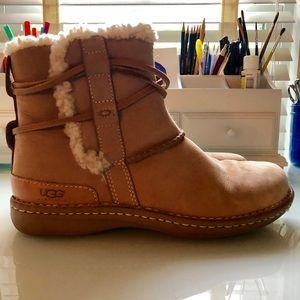 UGG Sundance Boot